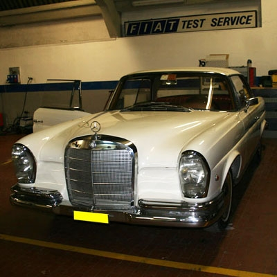Mercedes 220 SE coupe
